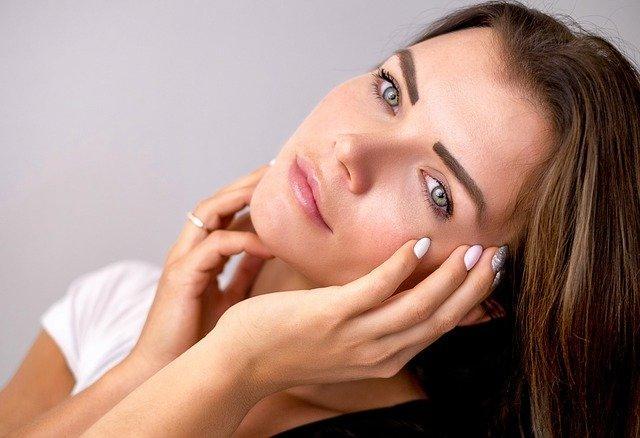 怎么把化妆品广告投放到今日头条?需要联系谁?